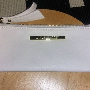 STEVE MADDEN PEBBLED LEATHER WRISTLET!!